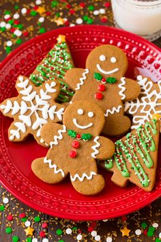 Gingerbread Cookies Recipes That Puts a Festive Spin To Your Usual Gingerbread Man Cookies - Hike n Dip Ginger Bread Cookies Recipe, Cookie Recipes, Sugar Cookies, Almond Cookies, Ginger Man Cookies, Lollipop Cookies, Molasses Cookies, Baking Recipes, Healthy Gingerbread Cookies