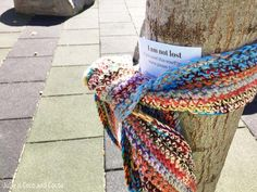 """I am not lost"" scarf. Pay it forward with a warm random act of kindness. Nashua NH has a large homeless population. One year a few of us made a ""gift tree"" out of the big oak in front of the library. Hung purses, jewelry, scarves and hats. Kindness Projects, Kindness Activities, Kindness Ideas, Knitting Projects, Crochet Projects, Homeless Care Package, Kindness Matters, Acts Of Kindness, Blessing Bags"