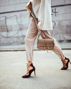 Very Cute Fall Outfit. This Would Look Good Paired With Any Shoes. 20 Stylish Outfits To Rock This Summer –[. Fashion Week, Look Fashion, Winter Fashion, Womens Fashion, Fashion Bags, Spring Fashion, Fashion Shoes, Burgundy Heels, Street Style