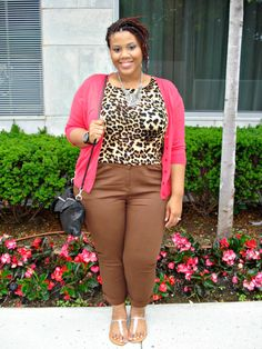 Make Trends Work For Your Body Type (Crop Top Edition) - The Natural Fashionista : The Natural Fashionista Nice Dresses, Dresses For Work, Curvy Girl Outfits, Weekend Wear, Working Woman, Body Types, Plus Size Fashion, Crop Tops, How To Wear