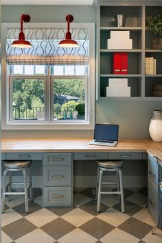 17 Ideas Kitchen Pantry Layout Window 17 Ideas Kit – Home office design layout Interior, Pantry Layout, Home, Butcher Block Desk Top, Home Studio Desk, Home Office Design, Trendy Kitchen Backsplash, Kitchen Layout, Trendy Home