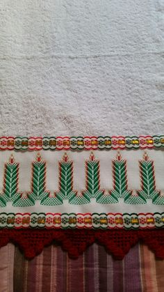 Swedish Embroidery, Hand Embroidery, Swedish Weaving, Weaving Patterns, Bargello, Darning, Plastic Canvas Patterns, One Design, Christmas Decorations To Make