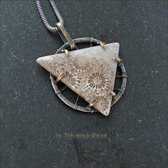 Strukova Elena - авторские украшения - Кулон с кораллом