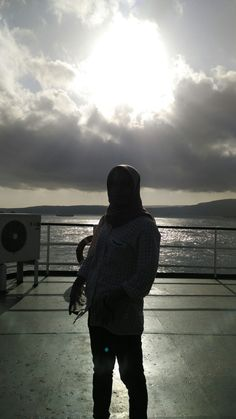 -innocent- #backlight #light #shadow #silhouette #boat #photography #phonetography #nofilter #nf Hijab Fashion, Women's Fashion, Shadow Silhouette, Muslim Hijab, Photos Tumblr, Screen Wallpaper, Ulzzang, Photography Ideas, Exo