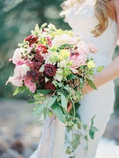 Photography: Ryan Ray Photography - ryanrayphoto.com Floral Design: BandB Designs - http://www.bandbflowerdesigns.com   Read More on SMP: http://www.stylemepretty.com/2016/03/16/whimsical-summer-wedding-at-lake-tahoe-2/