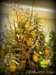 christmas tree nature moss theme ideas | My Home For The Holidays: Theme Decorated Christmas Trees...