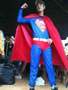 Lee Kwang Soo transforms into an awkward Superman Lee Kwangsoo, Kwang Soo, Running Man, Awkward, Superman, Kdrama, Asian, Actors, Vsco