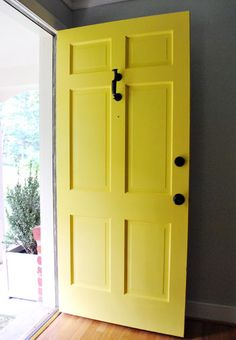 How to paint a front door. Thanks S @ Young House Love! I can't wait to try interior design design and decoration de casas Yellow Front Doors, Front Door Colors, Young House Love, Old Yeller, Mellow Yellow, Bright Yellow, Color Yellow, Do It Yourself Home, My New Room