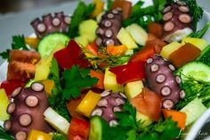 Serves: 4 Preparation time: 30 minutes Cooking time: 30 minutes Ingredients of octopus red peper green peper fresh green onions Octopus Salad, Fresh Green, Cooking Time, Fruit Salad, Olive Oil, Yummy Food, Healthy, Recipes, Fruit Salads