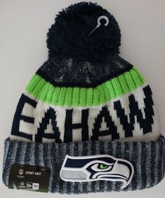half off 5e1eb 97037 Seattle Seahawks NFL 2017 New Era On Field Sideline Beanie Cuff Knit Pom Hat  Nwt