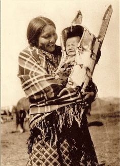 Northern Cheyenne mother and child – no date