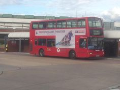 https://flic.kr/p/JX6rQq | VP485 on the 140 | Here's Metroline's Plaxton President bodied Volvo B7TL on the 140 arriving at Heathrow Airport Central Bus Station.