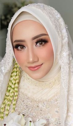 More than 30 muslim wedding makeup , muslimische hochzeit make-up Kebaya Wedding, Muslimah Wedding Dress, Muslim Wedding Dresses, Muslim Brides, Wedding Bridesmaid Dresses, Bridal Dresses, Wedding Gowns, Wedding Cakes, Beautiful Hijab