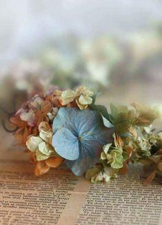 hydrangea flowers make beautiful table decorations. Hortensia Hydrangea, Hydrangeas, Peonie, Blog Art, Deco Nature, Blog Deco, Jolie Photo, Belleza Natural, Jewel Tones