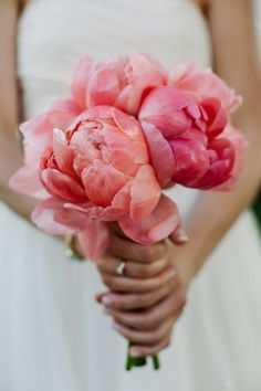 Coral Wedding Bouquet | Meredith Hanafi Photography