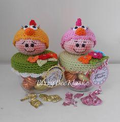Bizzy Bee Klaske Crochet Gifts, Crochet Dolls, Crochet Baby, Knit Crochet, Amigurumi Doll, Amigurumi Patterns, Crochet Patterns, Crochet Jar Covers, Crochet Kitchen