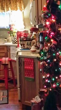 Marcia's Cottage : A Cottage kitchen Christmas Tree...♡