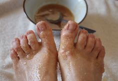 DIY lemony natural foot scrub.  1/2 lemon, juiced; 1/2 cup granulated sugar (I used raw cane sugar); 2 tablespoons macadamia oil; 2 drops sweet cinnamon essential oil