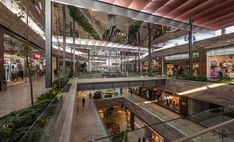 GSM was responsible for the expansion of the Plaza Satélite mall, it was developed with a contemporary architecture style throughout Area Comercial, Expansion, Contemporary Architecture, The Expanse, Art Deco, Stairs, Dallas, Commercial, Interior