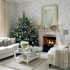 Oh how I long for a white livingroom- especially at Christmas!