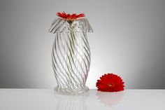 Beautiful VASE - handmade glassware > interior design Find it on: www. Vases, Interiores Design, Handmade, Beautiful, Home Decor, Hand Made, Craft, Interior Design, Vase