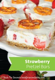 Mix savory and sweet with these sugary strawberry pretzel bars recipe.