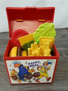 VINTAGE MCDONALDS HAPPY MEAL PLASTIC BOX 1989 FISHER PRICE | eBay Retro Kids, 90s Kids, My Childhood Memories, Sweet Memories, Evil Pranks, Mcdonalds Toys, Fisher Price Toys, Nick Jr, Old Toys