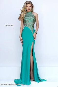 STUNNING NEW PAGEANT GOWN. Emerald green evening gown. Sherri Hill 50148. Beaded bodice pageant dress. Prom gown with heavy beading and slit.