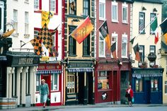Check out the best pubs and traditional Irish music on this self drive tour in 3 of Ireland's best towns, Dublin, Kilkenny and Doolin. Connemara, Ireland Vacation, Ireland Travel, Ireland Pubs, Site Archéologique, Best Pubs, Dublin City, Emerald Isle, Holiday Travel