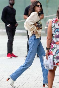e92d485761597 Kendall Jenner at Milan Fashion Week in Milan -01 - GotCeleb Kendall Jenner  Casual