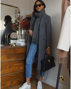 38 Simple Winter Outfit Ideas With Jeans For Everyday - Artbrid - Winter Outfits For Teen Girls, Simple Winter Outfits, Winter Mode Outfits, Winter Fashion Outfits, Autumn Winter Fashion, Fall Outfits, Casual Outfits, Look Retro, Winter Stil