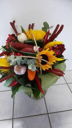 Výsledek obrázku pro květiny pro muže Floral Wreath, Wreaths, Plants, Home Decor, Floral Crown, Decoration Home, Door Wreaths, Room Decor, Deco Mesh Wreaths