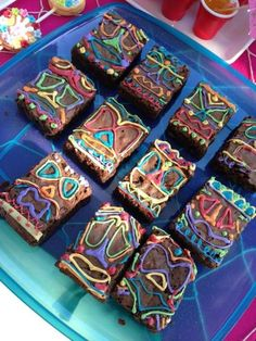 Everyone loves chocolate so why not take your brownies to another level by magically transforming them into fabulous tiki faces. All you need are a bunch of gel icing pens in lots of different colors and let your imagination go wild! See more party ideas and share yours at CatchMyParty.com Aloha Party, Luau Theme Party, Hawaiian Party Decorations, Hawaiian Luau Party, Hawaiian Birthday, Luau Birthday, Tiki Party, Birthday Ideas, Hawaiin Theme Party