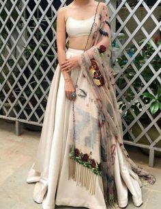 Indian lehenga - Unique Bridal Lehenga designs that is every Bride's pick in Indian Fashion Dresses, Indian Bridal Outfits, Indian Gowns Dresses, Dress Indian Style, Indian Designer Outfits, Latest Wedding Dresses Indian, Indian Designers, Indian Weddings, Dresses Dresses