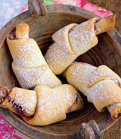 Romanian Food, Romanian Recipes, Raw Vegan, Hot Dog Buns, Macarons, Nutella, Vegetarian Recipes, Dessert Recipes, Food And Drink