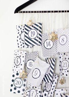 Monochrome Advent calendar printable by aentschie's Blog. ♥
