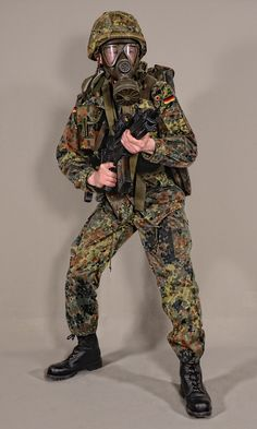 Military - uniform German soldiers flecktarn - 01 by MazUsKarL on DeviantArt Military Police, Military Art, Military History, Military Fashion, Ww2 Uniforms, German Uniforms, Military Uniforms, German Soldiers Ww2, German Army