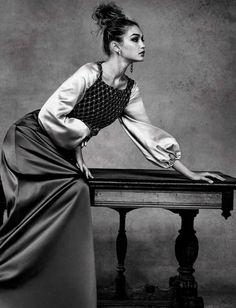 2b3c068750e16 Gigi Hadid by Patrick Demarchelier for Vogue Italia - april 2016 Taurus
