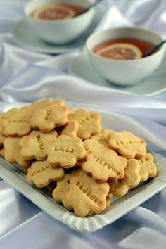Marcipános keksz - Kifőztük, online gasztromagazin Treats, Cookies, Photography Ideas, Food, Sweet Like Candy, Crack Crackers, Goodies, Biscuits, Essen
