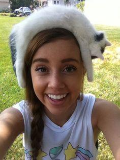 Gattini Sleepy fanno cappelli perfetti.