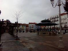 09/03/16 La plaza de San Antonio con su templete, una de las imágenes más características de nuestra hermosa villa marinera. ¡Santoña te espera!