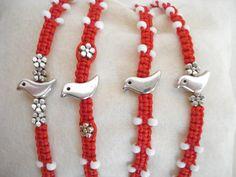 MARTIS bracelet Traditional March bracelet Protection by Poppyg Braided Bracelets, Macrame Bracelets, Friendship Bracelets, Handmade Accessories, Handmade Jewelry, Moving Gifts, Easy Crafts To Make, Bandeau, Minimalist Jewelry