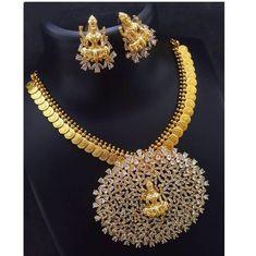 Beautiful lakshmi devi kasula necklace with lovley lakshmi devi pendent. Gold Jewellery Design, Gold Jewelry, Jewelery, Diamond Jewelry, Gold Necklaces, Temple Jewellery, Jewellery Shops, Pendant Jewelry, Gold Pendant