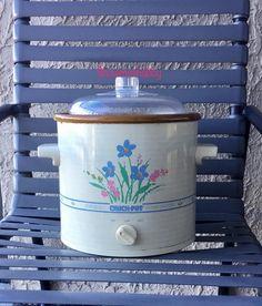 Crock Pot Slow Cooker, Crockpot, Rival Crock Pot, Packaging Supplies, Vintage Kitchen, Etsy Store, Stoneware, Peeps, Floral Design