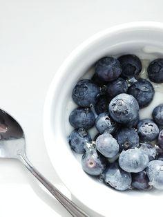 summer blueberries//