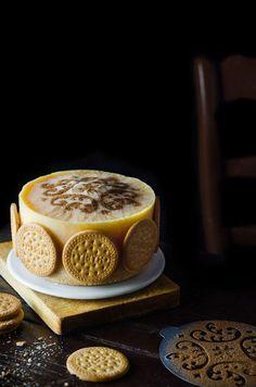 ¡Cómo nos gusta esta tarta de natillas y galletas María para verano! Tiramisu, Ethnic Recipes, Food, Cake Recipes, Cookies, Beautiful Cakes, Creative Desserts, Ethnic Food, Summer Time
