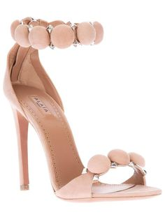 Pale pink shoes, Ohh la la these are cuties ladies....