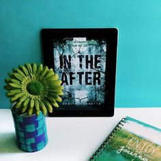 In The After de Demitria Lunetta  Première lecture coup de coeur de 2016  #bookstagram #bookaddict #book #intheafter #duology #demitrialunetta #booklove #kindle #blue #flower #lifestyle #culture #blog #blogger #igdaily #iger #lovetoread #losangeles #instabook #photooftheday #bookhaul #read #reading #lecture #livre #livres #instapic #lumen  #sciencefiction #postapocalyptique by spoilersbymelo
