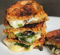 Grilled-cheese-sandwich w/ pesto and spinach