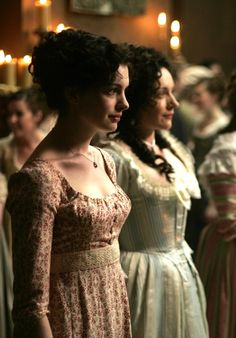 Anne Hathaway as Jane Austen in Becoming Jane - 2007 Regency Dress, Regency Era, Becoming Jane, Period Outfit, Romance, Romantic Movies, Anne Hathaway, Fall Looks, Jane Austen